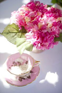 Pink Hydrangea Centerpieces | Pink Small Hydrangea Centerpiece Idea