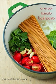 Solve the weeknight dinner dilemma with one-pot tomato basil pasta -- a fast, healthy meal that can be made in only 10 minutes.   | yankeekitchenninja.com