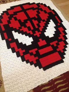 Spiderman pixel crochet blanket - Pattern: https://www.pinterest.com/pin/374291419002295484/