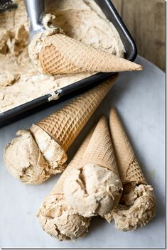 No-Churn Cookie Butter Ice Cream - You don't need an ice cream maker to churn a batch of this delicious ice cream