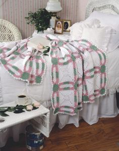 A traditional double wedding ring quilt pattern reinterpreted in