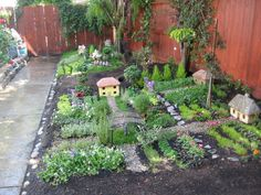 kids' space in the garden : a wee village