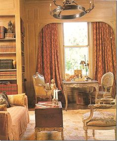 Beautifully furnished New Orleans home library by Gerrie Bremermann