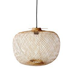 Køb natur flettet Bloomingville lampe hos Barkshop