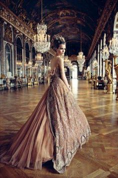 Marie Antoinette-inspired style    More lusciousness at www.myLusciousLife.com