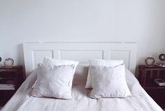 Juulia S.: Sängynpääty vanhasta puuovesta