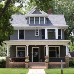 Best Old House Neighborhoods: Old Highland, Minneapolis, MN (Photo: Tracy Loso) Home Renovation, Home Remodeling, Four Square Homes, Craftsman Bungalows, City Living, Victorian Homes, Victorian Interiors, Victorian Era, Historic Homes
