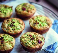 Skønne squash muffins lige til madpakken. Velsmagende og lette at bage. Børnene elsker dem, og de er sunde og fiberrige. Kan også fryses.