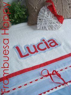 JUEGO DE TOALLAS PERSONALIZADO: Un disfrute para Lúcia. | FRAMBUESA HAPPY Santa Sack, Arts And Crafts, Diy Crafts, Letter Patterns, Cute Backgrounds, Baby Time, Beach Towel, Sewing Projects, Patches