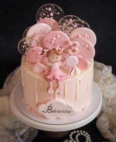 Best baby shower desserts recipes kids ideas #desserts #recipes #babyshower #baby Baby Girl Birthday Cake, Baby Girl Cakes, First Birthday Cakes, Birthday Cupcakes, Girl Cupcakes, Baby Shower Cake For Girls, Girl Shower Cake, Fruit Birthday, Birthday Ideas