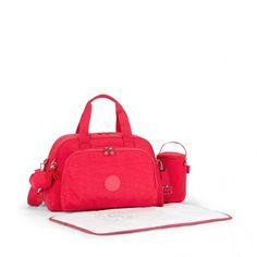 Camama Kipling baby bag gives moms everything they need to stay prepared.