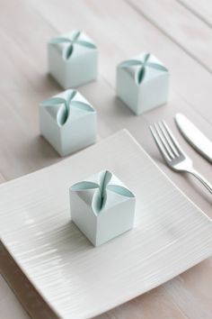 50 Mint Green Wedding Favours - Free Worldwide Shipping
