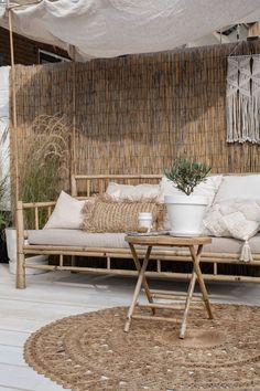 Garden Garden apartment garden arrangement g. Outdoor Sofa, Outdoor Spaces, Outdoor Living, Outdoor Decor, Garden Furniture, Outdoor Furniture Sets, Balkon Design, Garden Equipment, Balcony Garden
