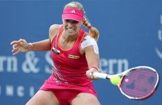 MASON, OH - AUGUST 19:  Angelique Kerber of Germany hits a forehand against Li Na of China during the final on day nine of the Western & Southern Open at Lindner Family Tennis Center on August 19, 2012 in Mason, Ohio.  (Photo by Nick Laham/Getty Images)