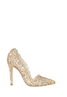 {WANT IT!} DINA ROSE HEEL in TAN by Alice + Olivia