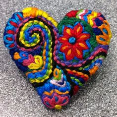 Small Freeform embroidery Heart brooch bright 44