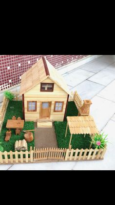 Handmade model house for toddlers room ideas stick crafts crafts Popsicle Stick Crafts House, Diy Popsicle Stick Crafts, Popsicle Sticks, Home Crafts, Fun Crafts, Resin Crafts, Craft Stick Projects, Sticks Furniture, Home Design Diy
