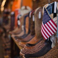 #Repost @fortyeight209  #littlejoesboots #stockyardsokc #boots #americanflag