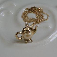 tea pot necklace