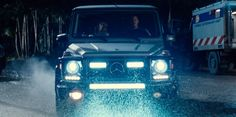 Mercedes-Benz G 550 [W463] (2013) car driven by Chris Pratt in JURASSIC WORLD (2015) @MercedesBenz