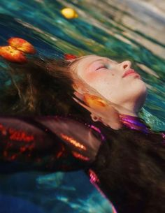 Human Reference, Photo Reference, Aesthetic Photo, Aesthetic Pictures, Underwater Photography, Portrait Photography, Drawing People, Creative Photography, Pretty Pictures