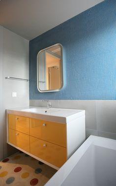 Colored Children's Bathroom - mosaic - octagon tiles - elpidaroussou