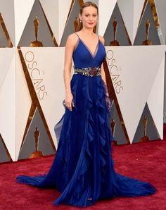 Brie Larson no red carpet do Oscars 2016.