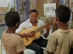 "Breno Mello-plays guitar in Black Orpheus. Mello appeared in several other films, including Rata de puerto (1963), Os Vencidos (1963), O Santo Módico (1964), O Negrinho do Pastoreio (1973) and Prisoner of Rio (1988).[11] However, Mello was unable to maintain regular employment as an actor. Shortly before his death, Mello gave his view of why his acting career had not been more successful, saying: ""Brazilian cinema at that time didn't have financing. I couldn't support myself with movies,..."
