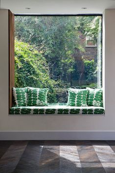 Beautiful modern window seat #bqdesign #benchseats #custom