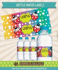 Per il party a tema coccinelle e arcobaleno ecco le etichette per le bottigliette di acqua, personalizzabili con i nomi dei vostri ospiti. ;)  Customized Water bottle labels theme Rainbow and Ladybug for your colorful party ;)    Instant #DOWNLOAD - #DIY Customized Rainbow ladybug #party water bottle #labels by #LasagnaTheCat