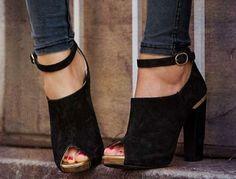 Stacked heel, open toe, low cut, ankle strap.