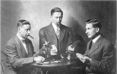 1920S SMOKING GAMBLING PARTYING DRINKING IN PICS