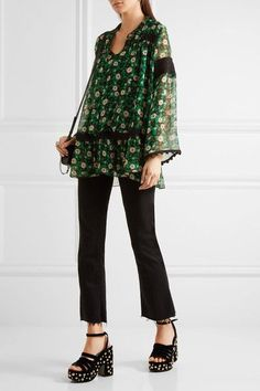 7ac80a4b15ae6f Anna Sui - Lace-trimmed floral-print silk-crepon blouse