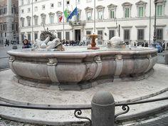 Fontana di piazza Colonna: costruita da Giacomo Della Porta nel 1576-Wikipedia