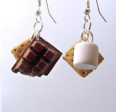 Items similar to Smores Earrings - Polymer Clay miniature food jewelry - handmade smores kawaii cute earrings chocolate marshmallow graham cracker charm on Etsy - Women's style: Patterns of sustainability Polymer Clay Miniatures, Polymer Clay Charms, Polymer Clay Creations, Polymer Clay Earrings, Earrings Handmade, Handmade Jewelry, Biscuit, Accesorios Casual, Cute Earrings