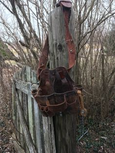 Ive been pickin in Southern Illinois and found this Nicholas Tool Pouch and Hammer Holder. Discontinued Item that was made in the U.S.A.  You wont wear this heavy leather 2 belt out! AWP - L-603  Vintage Genuine Top Cowhide Leather Carpenter/Construction/Lineman Tool Pouch. Pencil/tool holders, hammer holder, tape measure holder, anchored insulated tape sling, Quick Release snap hanger, nail or screw pockets and pliers holder, etc. Reinforced with rivets and stitched. Nicholas ...