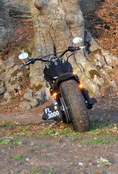 softail slim with 200 tire #harleydavidsonsoftailslim #harleydavidsonsoftailbreakout #harleydavidsonbobberssoftail