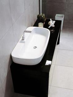 Colección de inodoros, bidés y lavabos Mono de @FlaminiaDesign .  Clásica contemporaneidad para las más diversas arquitecturas.