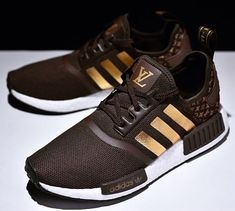 3eab8f24e7c839 Cheap Adidas NMD R1 Kid 2018 shoes White Gucci Only Price  42 To ...