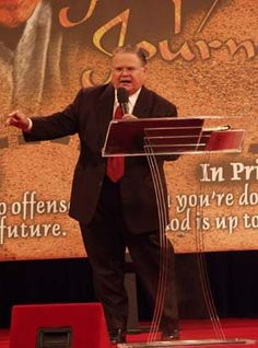John Hagee - Another great preacher! SUCH A POWERHOUSE OF THE WISDOM AND KJNOWLEDGE OF GOD!!