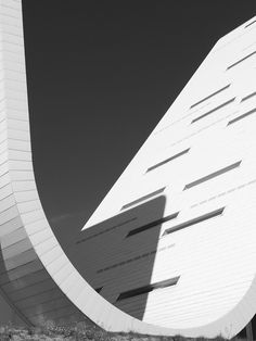The Wave in Vejle, Denmark. Inspired by the work of the masters Julius Schulman and Balthazaar Korab. Architecture Tumblr, Facade Architecture, Amazing Architecture, Henning Larsen, Vejle, Glass Building, Learning Logo, Minimal Photography, Beautiful Lines
