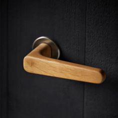 3801 - Holt oak L shape lever handles on satin stainless steel Quadaxial roses. Lever Door Handles, Internal Door Handles, Black Door Handles, Wooden Handles, Stainless Steel Door Handles, Contemporary Doors, Modern Door, Contemporary Internal Doors, Interior Barn Door Hardware