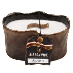 Brownstone Ribbonwick Candle - he Brownstone Collection features an aromatic amber scent brightened with notes of citrus and bronzed musk. The black-bronzed finish and chic, natural design give this collection a sophisticated elegance. Wood Wick Candles, Best Candles, Diy Candles, Scented Wax, Scented Candles, Candle Reading, Covert Cameras, Candle In The Wind, Burning Candle