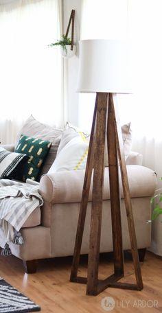 Diy floor lamp tutorial with video tripod lamp, modern interior design, lighting, home Industrial Floor Lamps, Modern Floor Lamps, Modern Lighting, Club Lighting, Lighting Stores, Industrial Living, Wall Lighting, Lighting Design, Diy Floor Lamp