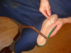 Welted construction – shoemaking tutorial for advanced shoemakers – Shoes and Craft Handmade Leather Shoes, Leather Craft, How To Make Shoes, Types Of Shoes, Shoe Boots, Shoemaking, Stitching, Footwear, Construction