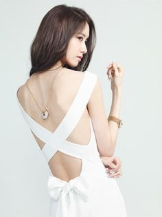 Anti Kpop-Fangirl: Yoona Shows Some 'Skin' For Pictorial
