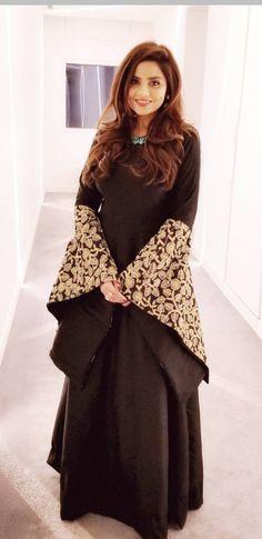 Abaya Fashion, Muslim Fashion, Indian Fashion, Fashion Dresses, Women's Fashion, Pakistani Dress Design, Pakistani Dresses, Indian Dresses, Kurta Designs