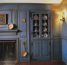 repro early American built-ins, furniture, pottery, custom work - an amazing resource!!