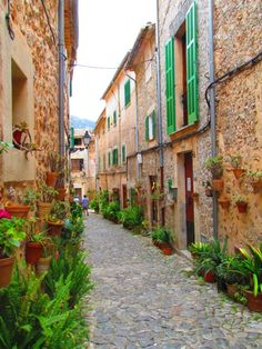 Streets Have No Name, Green Shutters, Europe, Travel, Home, Paintings, Viajes, Destinations, Traveling