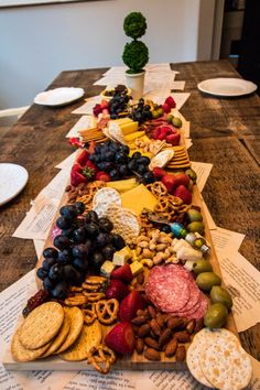 Hosting Your Book Club ~ Jenny Louise Marie cheese party Party Food Platters, Party Trays, Party Snacks, Appetizers For Party, Appetizer Recipes, Book Club Snacks, Book Club Food, Book Club Parties, Charcuterie And Cheese Board
